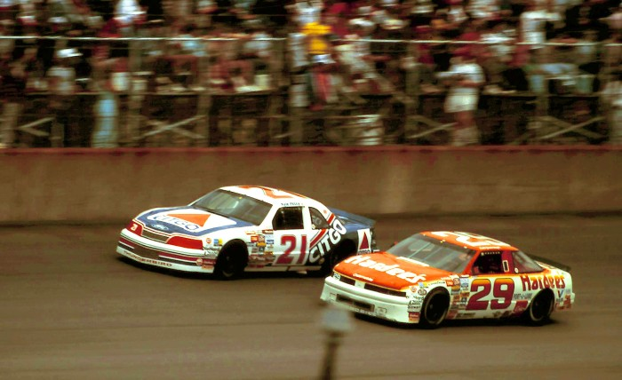 21KylePetty29CaleYarborough1988MillerHighLfe400Michigan